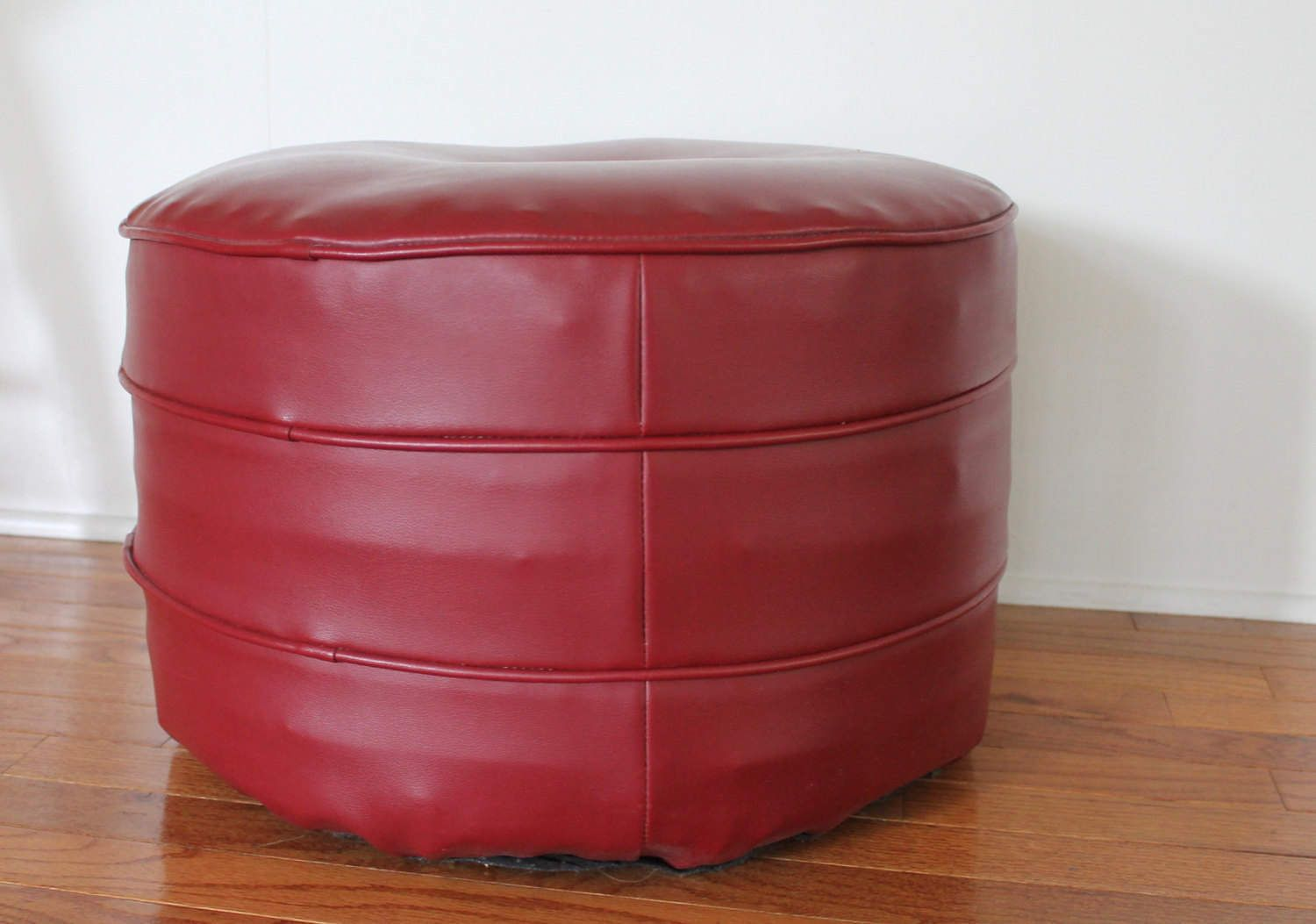 Wondrous Vintage Mid Century Red Faux Leather Round Ottoman Stool Squirreltailoven Fun Painted Chair Ideas Images Squirreltailovenorg