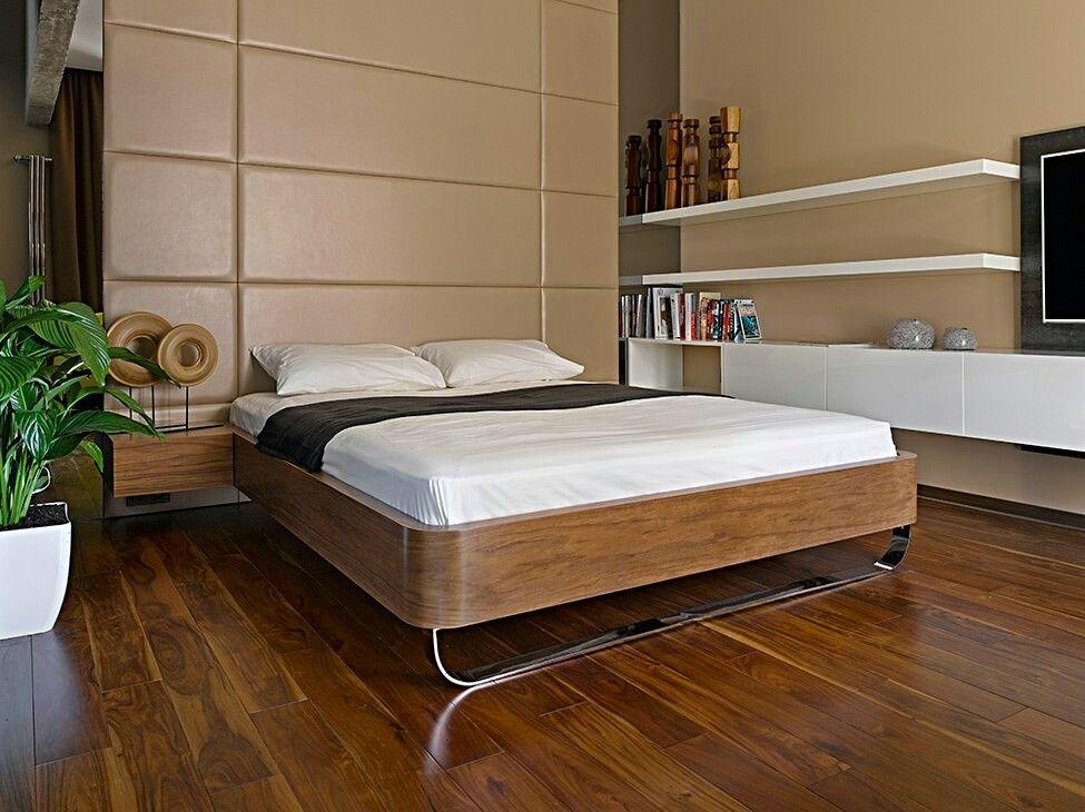 Спальня, кровать, изголовте торшер