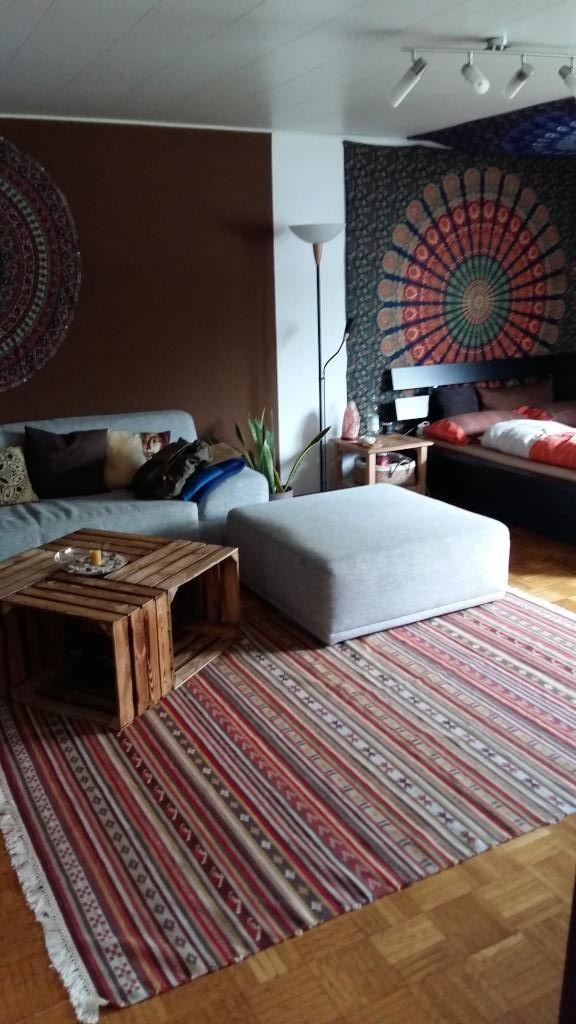 Ein schicker DIY-Wohnzimmertisch, der perfekt in das orientalische - wohnzimmer ideen orientalisch