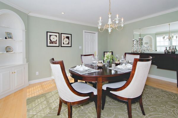 20 Beautiful Dining Rooms with Silver Accents Green bedroom colors - Beautiful Dining Rooms