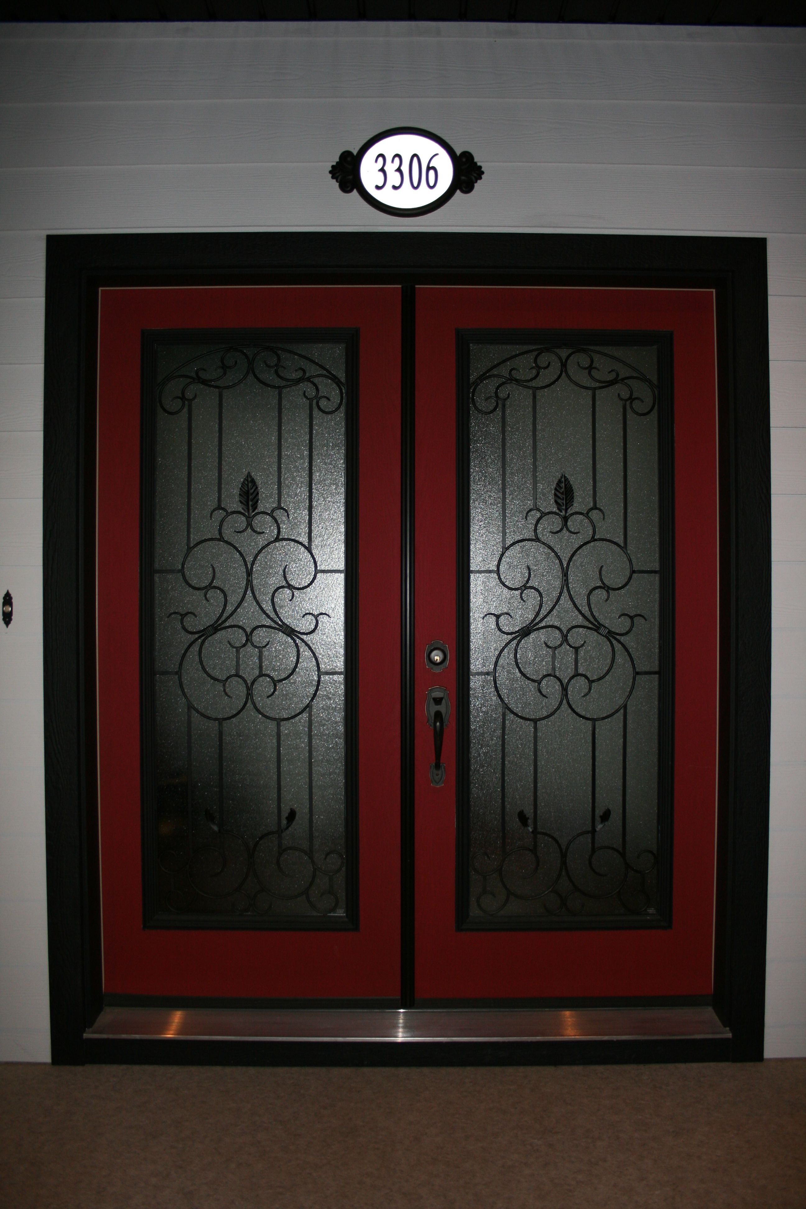 The Red Door In Feng Shui Means Hospitality And Warm Welcome And In The American Tradition A House With A Red Door Was Ready Red Door Welcome Home Feng Shui