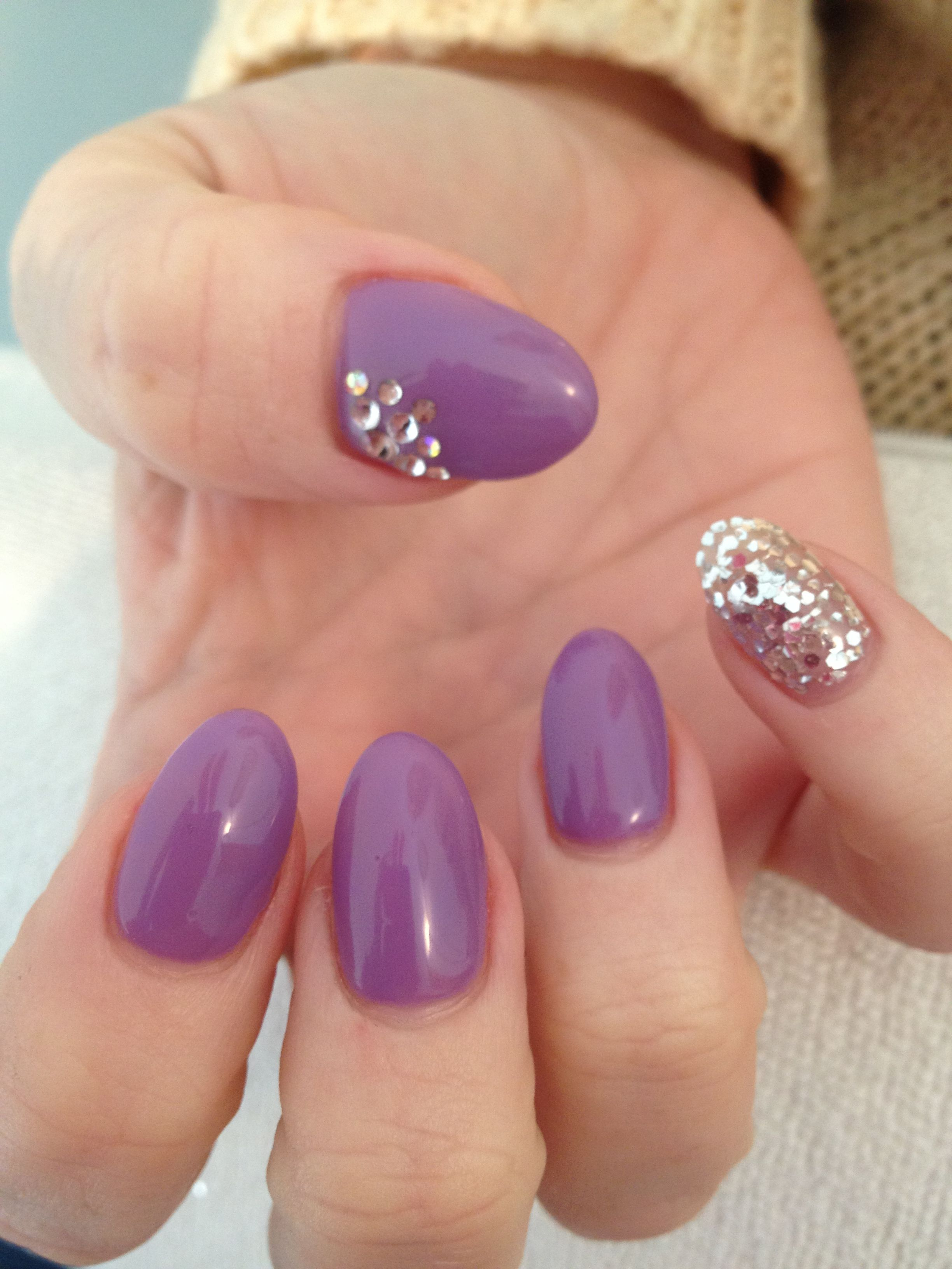 Gels purplelavender silver glitter diamonds oval shape nail