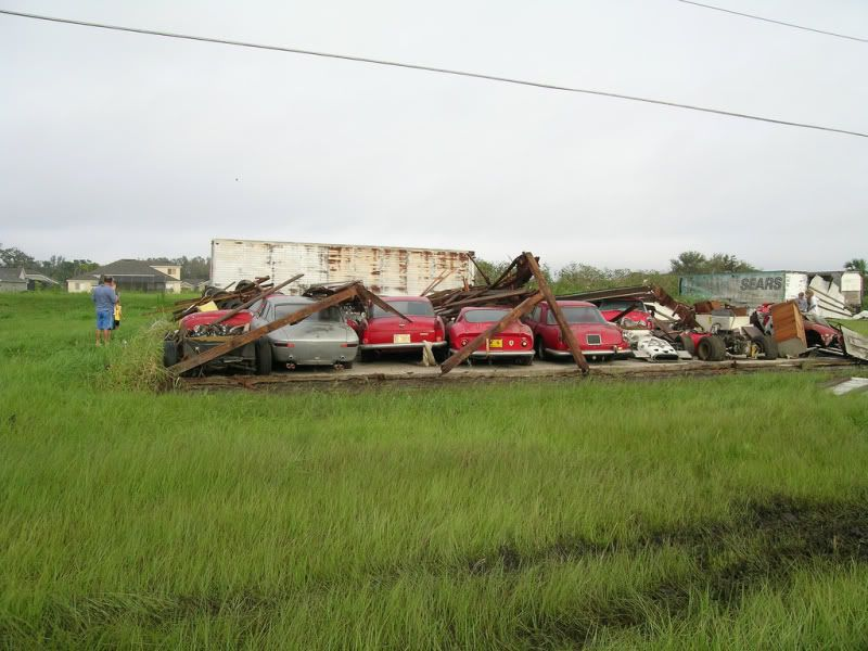 Hurricane Charlie Toppled The Building Of A Barn In Florida To Expose 17 Vintage Ferraris 1 Supercharged Avanti And Few Indy Formula Race Cars