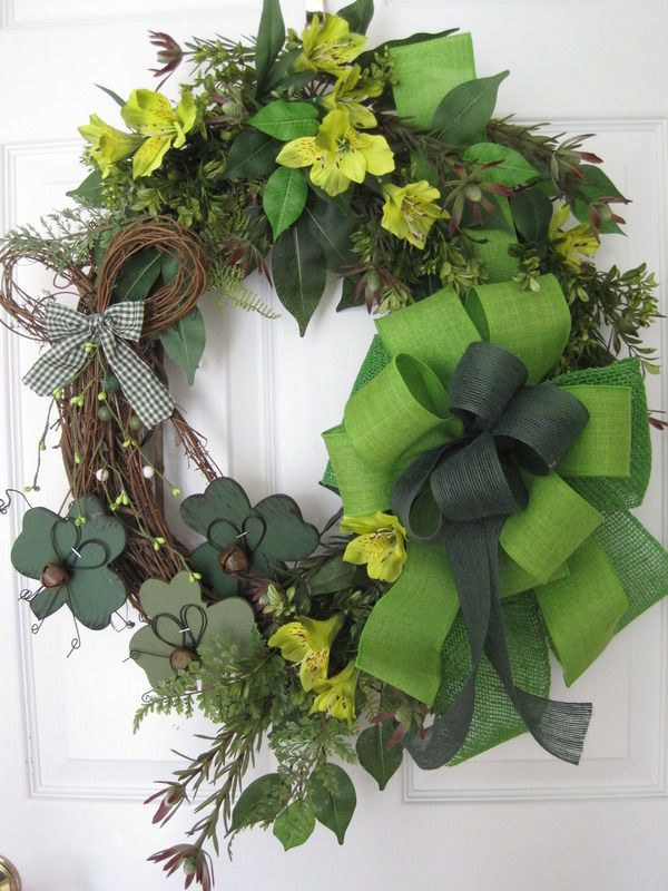 St Patricks Day Clovers Greens Grapevine Country Door Wreath Free