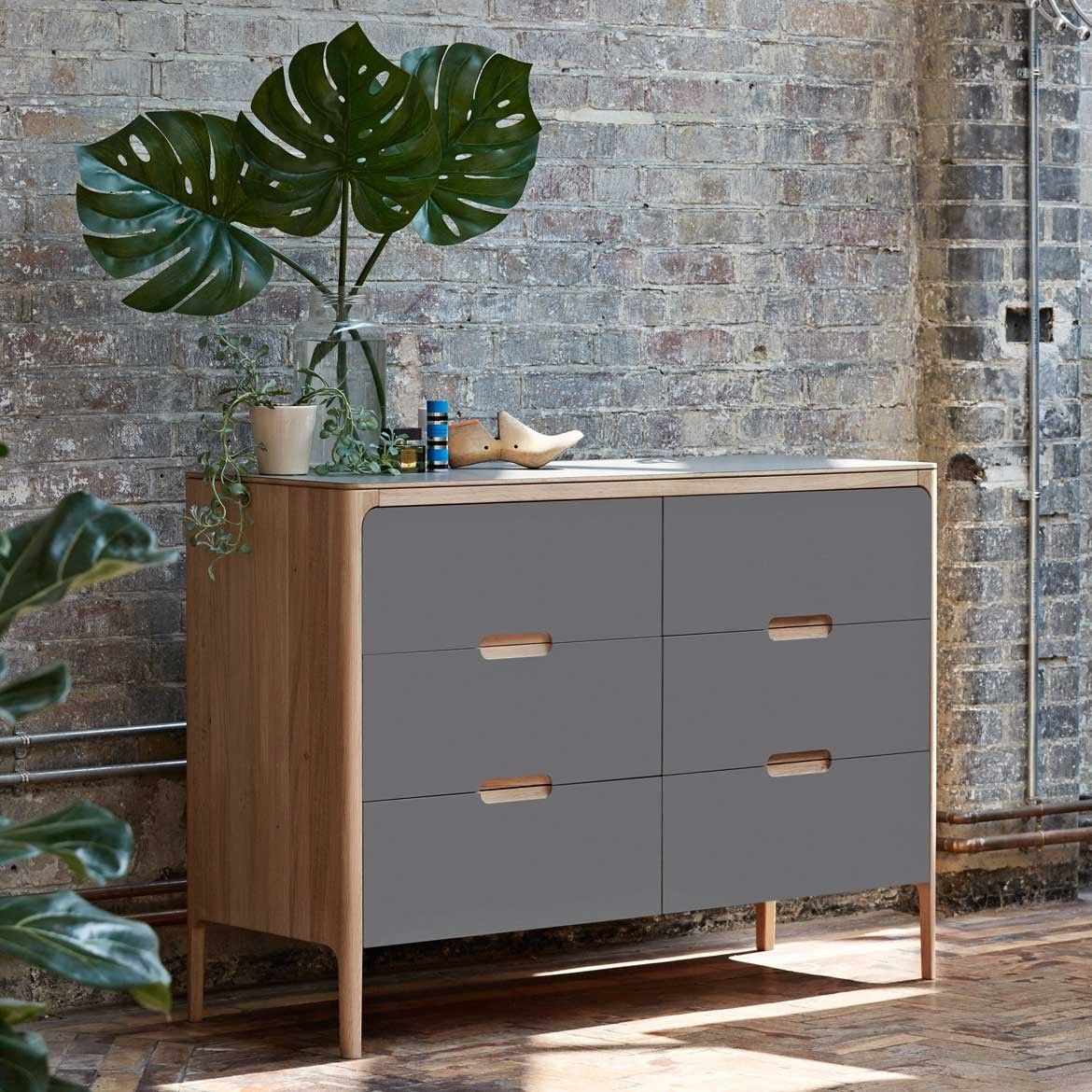 Best Como 6 Drawer Low Chest Of Drawers Chest Of Drawers 640 x 480