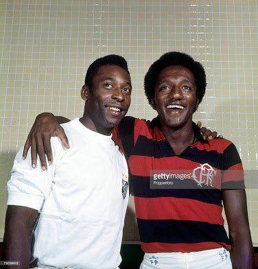 Parabéns ao Santos, pelos seus 105 anos. #Santos105 #Santos105anos   Saudações rubro-negras.    ( Pelé e Paulo Cezar Caju - Getty Images 1973)