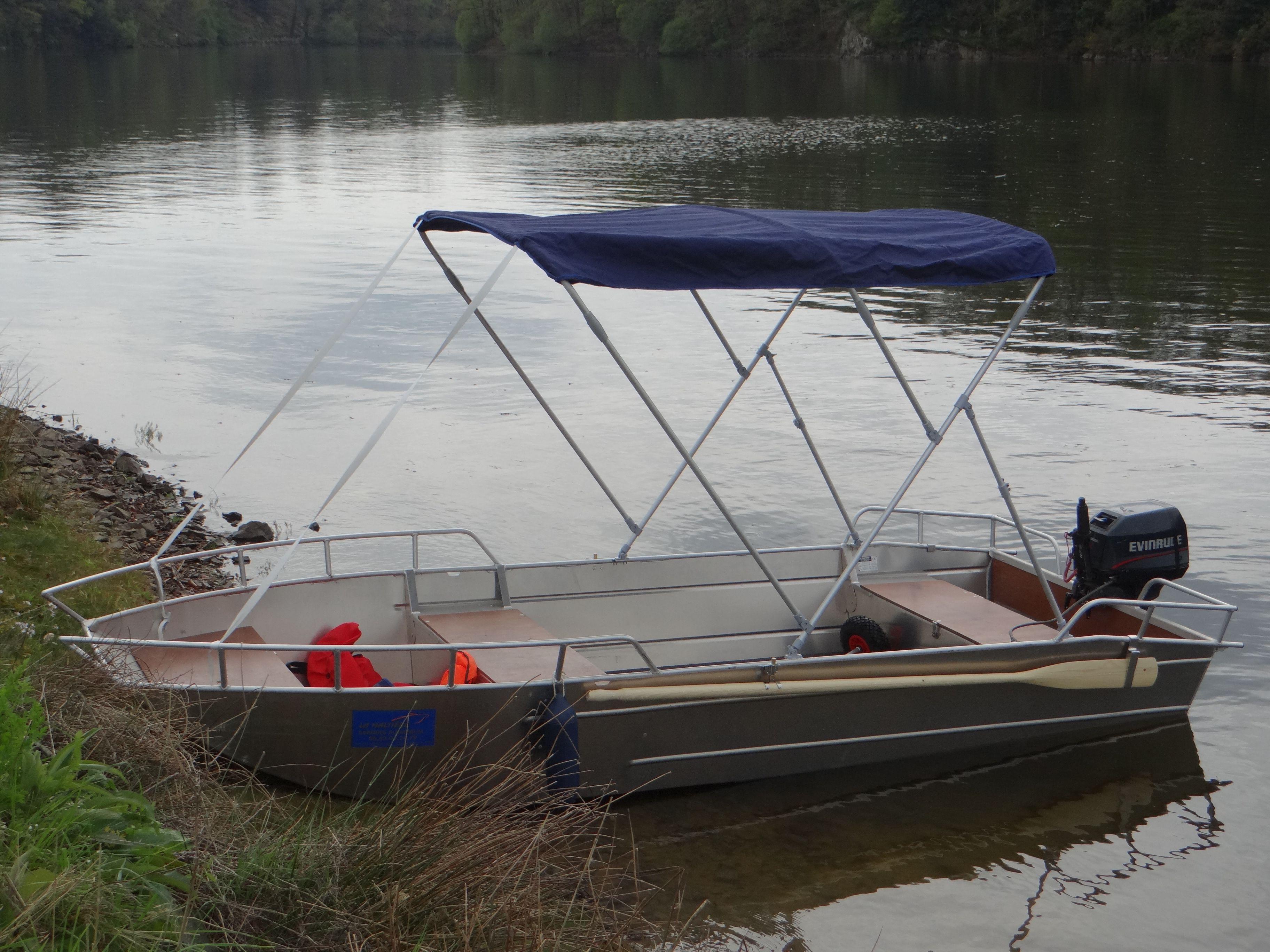 barque de peche barque alu barque aluminiulm barque legere barque a fond plat barque soudee. Black Bedroom Furniture Sets. Home Design Ideas