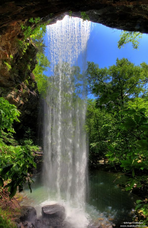 Chutes Victoria: Bowers Hollow Falls, Arkansas. This Gorgeous Waterfall Is