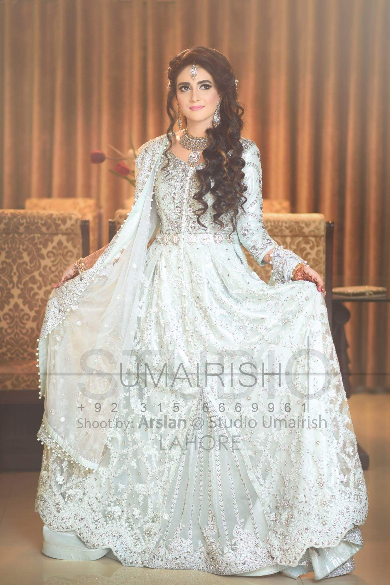 Gorgeous bride in Valima look , photography by Umairish studio ...