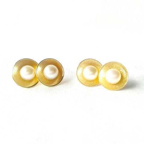 Zarcillos huevitos fritos - Perlas - Baño de oro