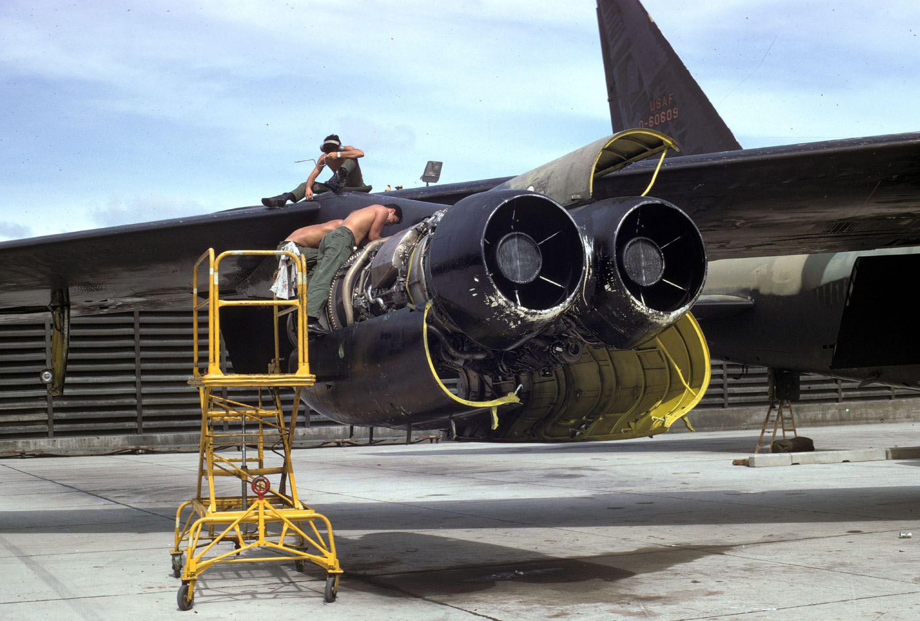 Maintaining The D model Fighter jets, North vietnam, Vietnam