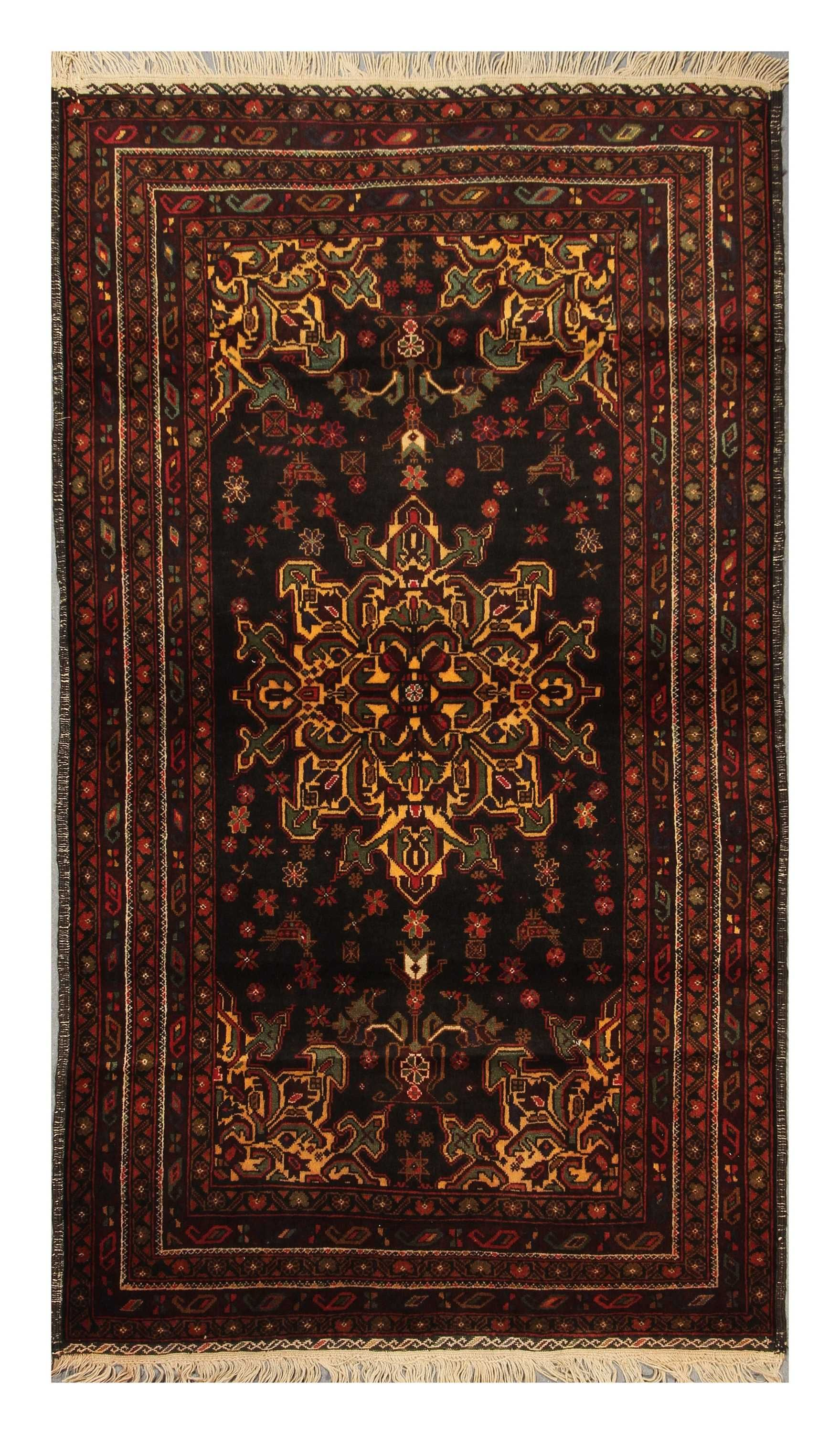 #carpetsinbazaar - Oriental Carpet | Tribal | #Rugs Baluchi carpets (also called Baluch or Beluchi carpets) are handmade carpets originally made by Baluch nomads, living near the border between Iran,Pakistan,and Afghanistan Age of this carpet is 30-40 years old.
