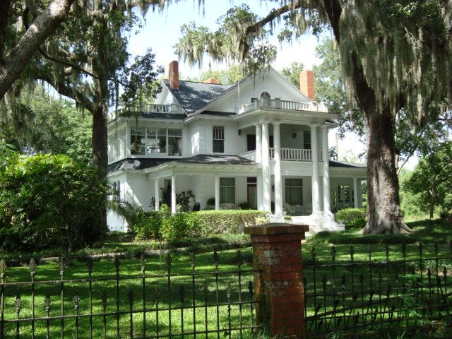 Beautiful old mansion in Oakland, Florida.