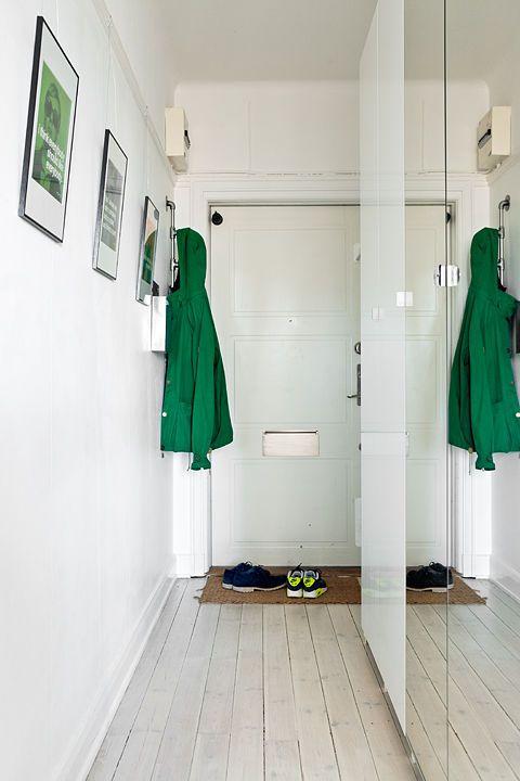Wąski Przedpokój Z Szafą Interiors Home Decor Alcove