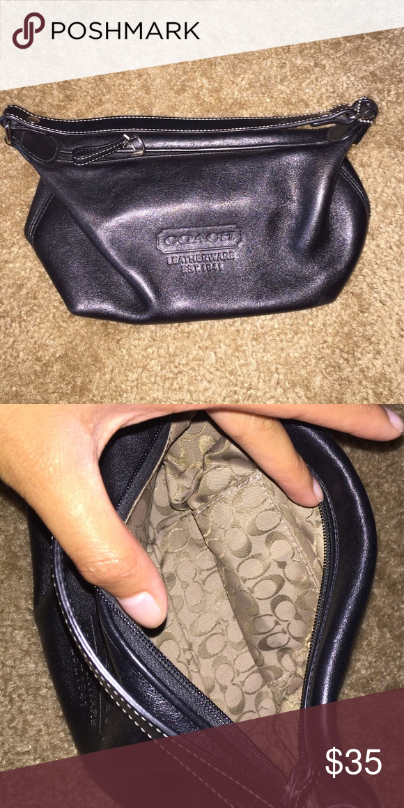 SMALL COACH PURSE Never used, new condition. Small little leather coach purse in black. Offers can be made! Coach Bags Mini Bags