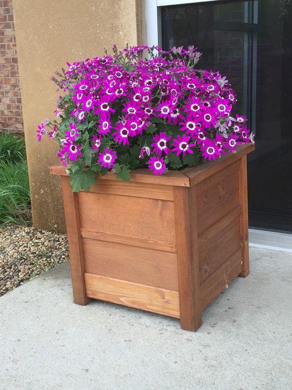 Wooden Flower Planter Box by BungalowDesignCncpts on Etsy Yard - como hacer una jardinera