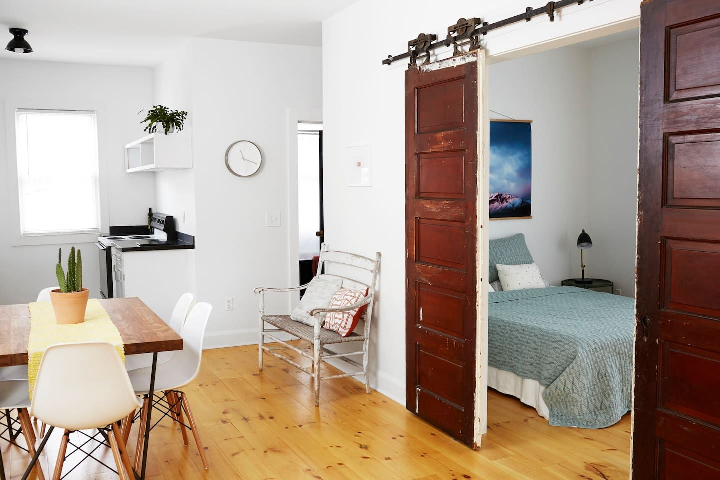 Modern 1 Bedroom in Historic Ohio City Apartments for