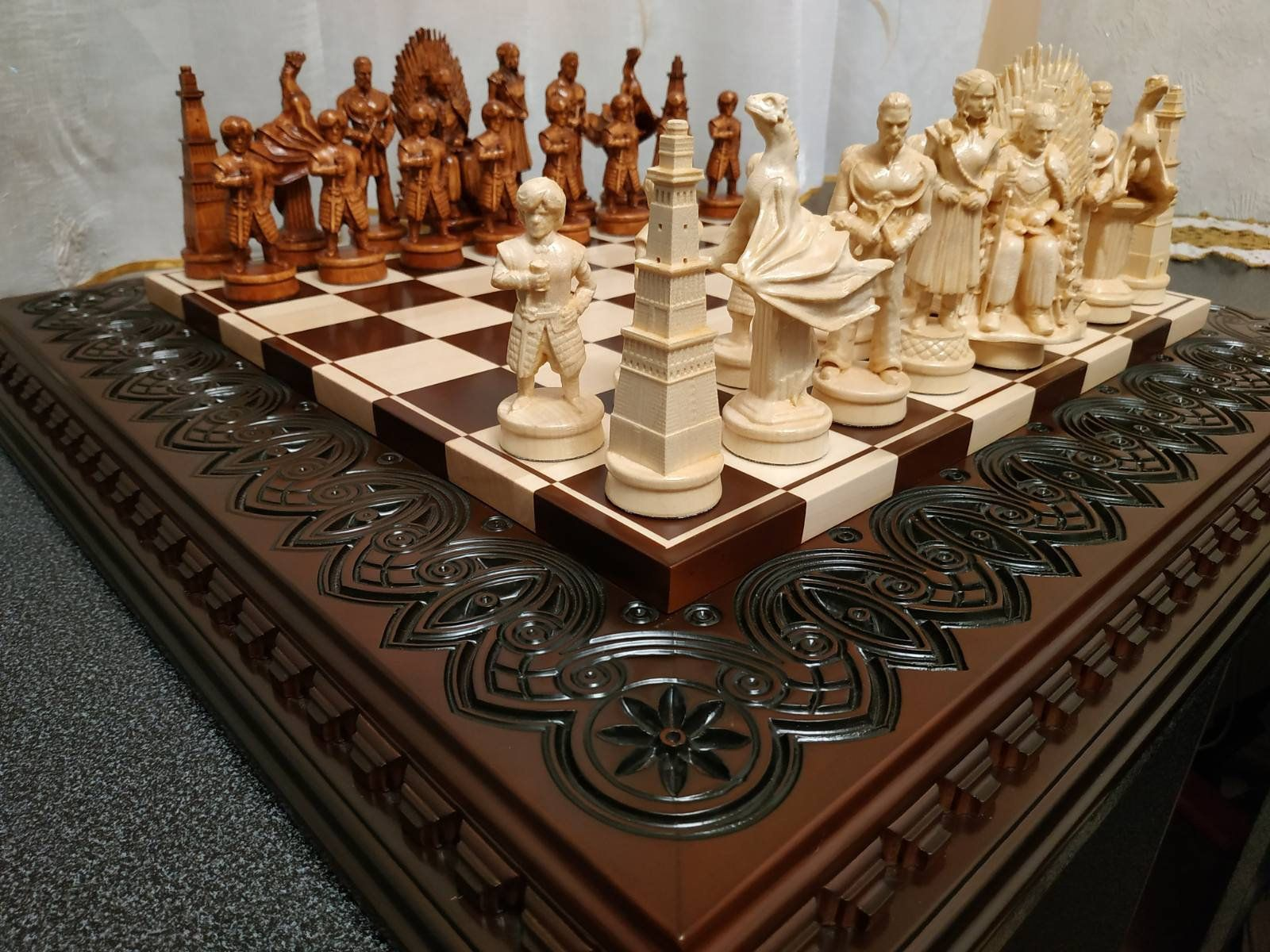 Chess set game of thrones wooden board pieces carved wood