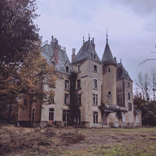 Châteaux Abandonnés, Maison