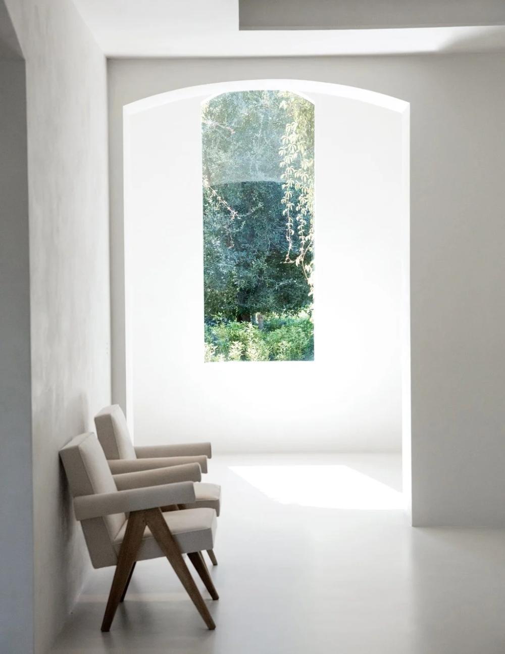 Step Inside Kim Kardashian West And Kanye West S Boundary Defying Home West Home Minimalist House Design Home Design Decor