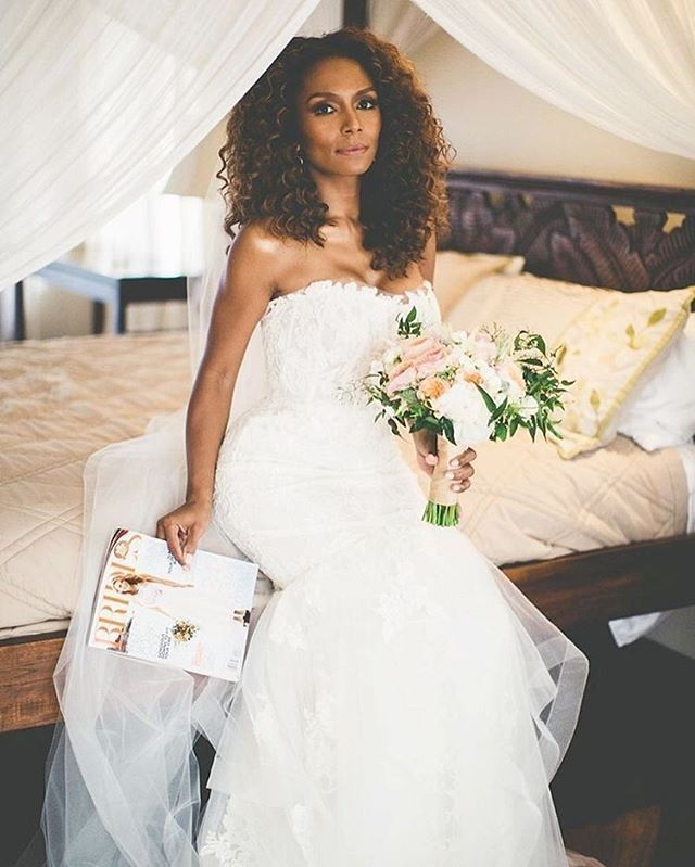 A Practical Wedding Real Weddings: #TBT With @JanetMock In #Amsale. See The Entire Wedding