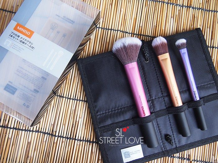 bd26c4e716 Miniso Cosmetic Bag With 3 Brushes Set