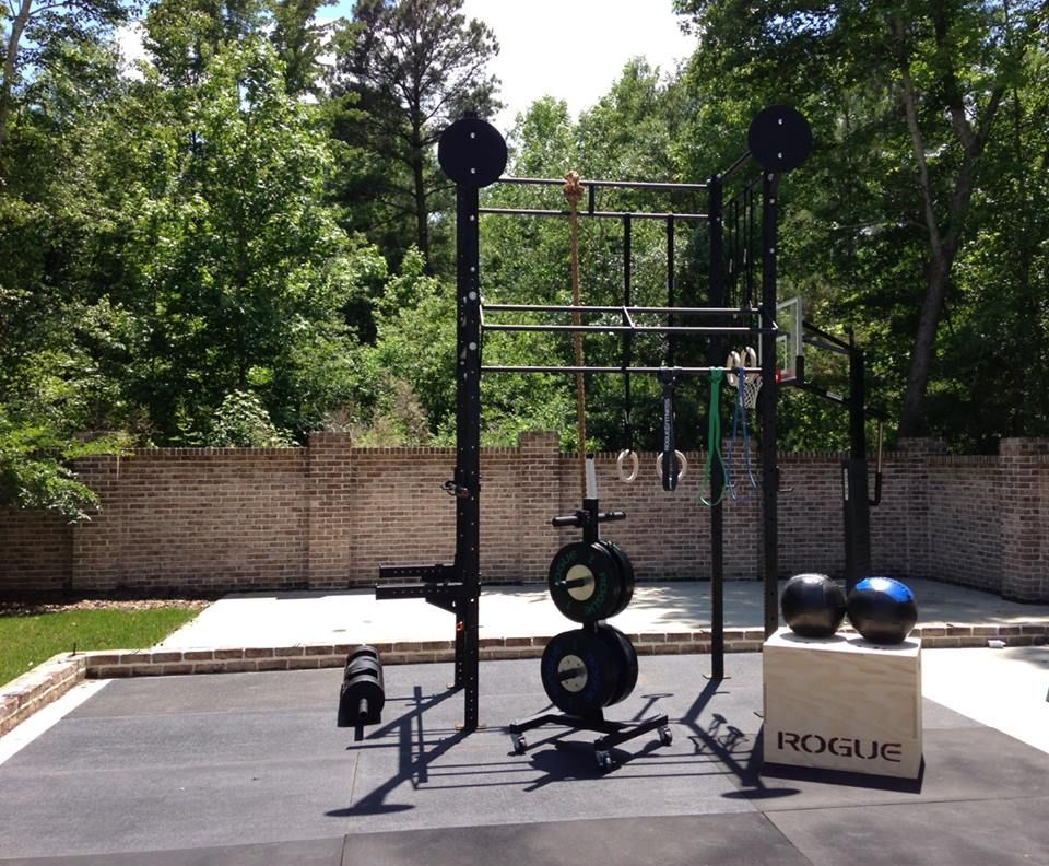 Idea For Outdoor Workout Area: Incorporate Pullup Bar And Box Into  Architecture (box Multifunctional