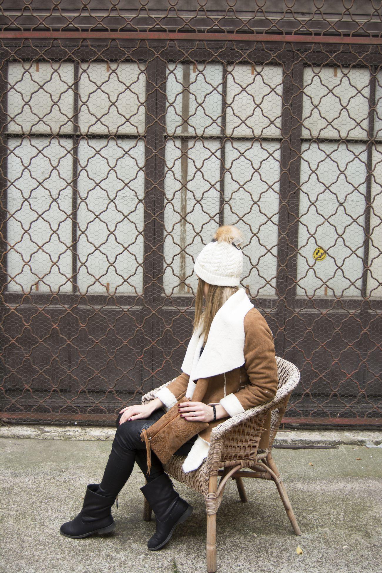 64c6513f0d25 Veste Version Féminin disponible chez le grossiste lyonnais de vêtements  pour femmes Carla Raffi.