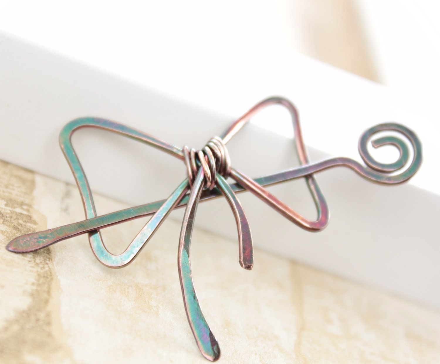 Shawl pin, scarf pin in bow tie shape pin with a pin stick ...