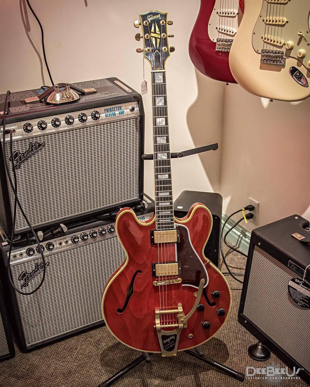 A Lovely Cherry Red Gibson Memphis Es355 Vos Spotted At 12fretguitar Toronto Wednesday Guitars Guitarra Chitarra Vintage Guitar Art Guitar Cool Guitar