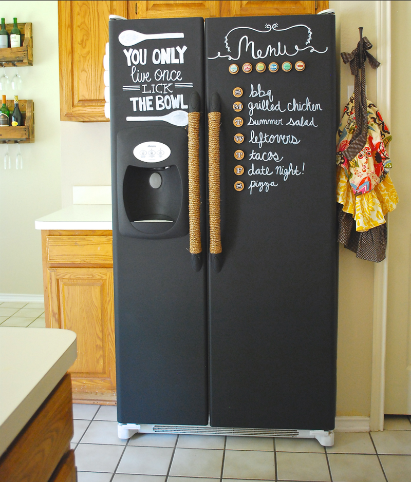 9 decorated refrigerators we re kind of in love with for Mobilia lavagna