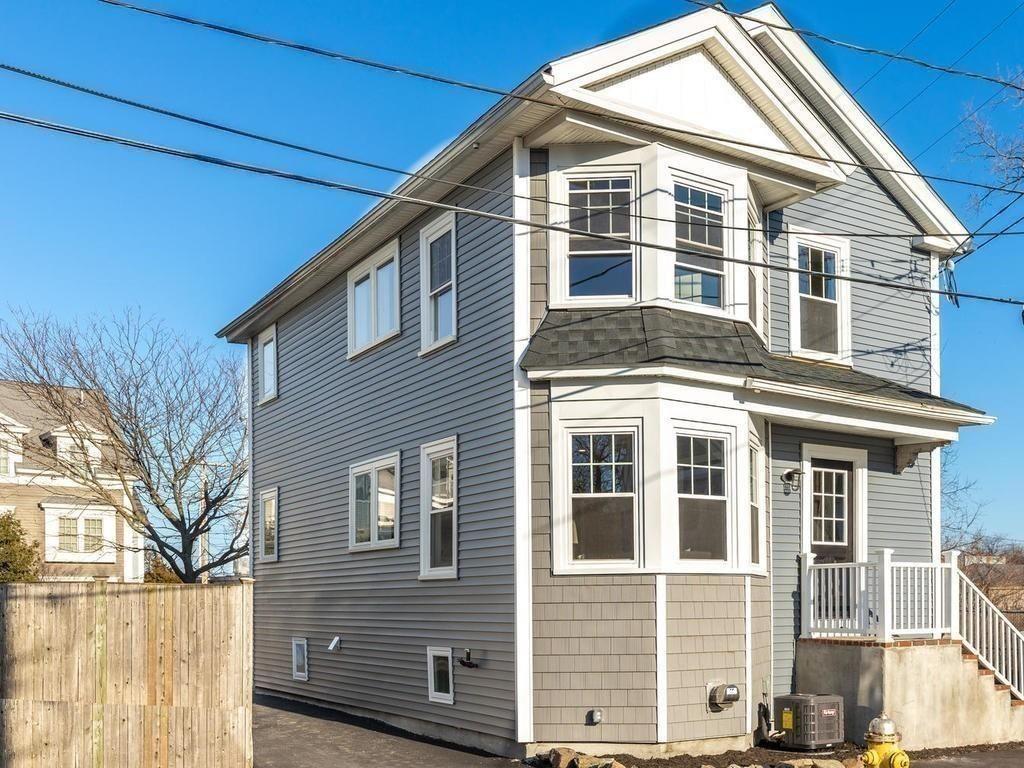 Salem Ma Real Estate Salem Homes For Sale Realtor Com In 2020 House Styles Real Estate House 2
