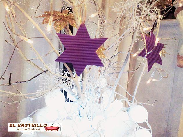 Árboles de navidad con bajo presupuesto y mucha imaginación