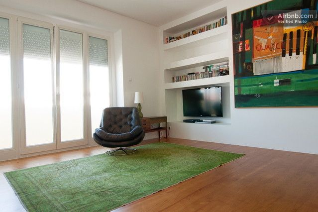 Large sunny flat in central Lisbon! in Lisbon from $103 per night