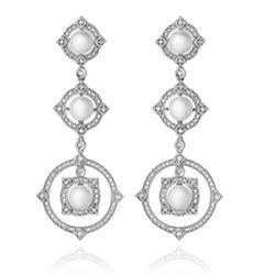 07494bc925ad6 Brinco em ouro branco 18k, 114,8 pts de diamantes e 6 pérolas - Coleção  Odisseia