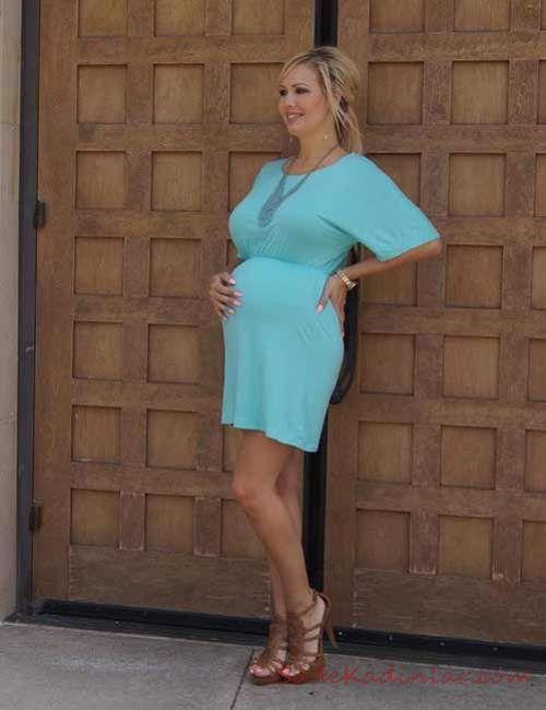 Hamile Kombinleri İçin Kıyafet Önerileri Tek Parça Kısa Penye Elbise