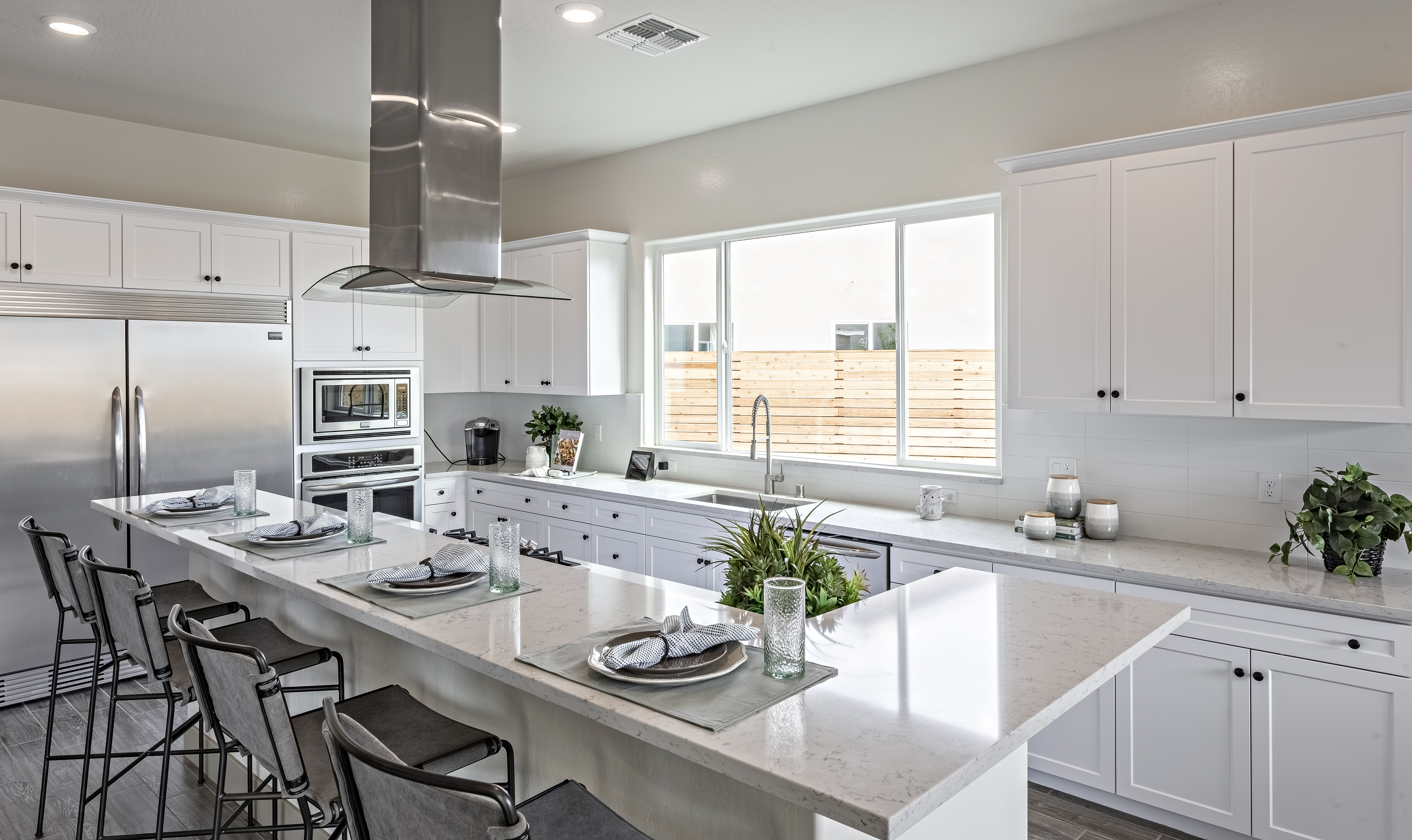 High Top Breakfast Bar Gives Your Family The Ability To Connect With You Awhile You Cook Kitchen Remodel Software Kitchen Remodel Kitchen Redesign
