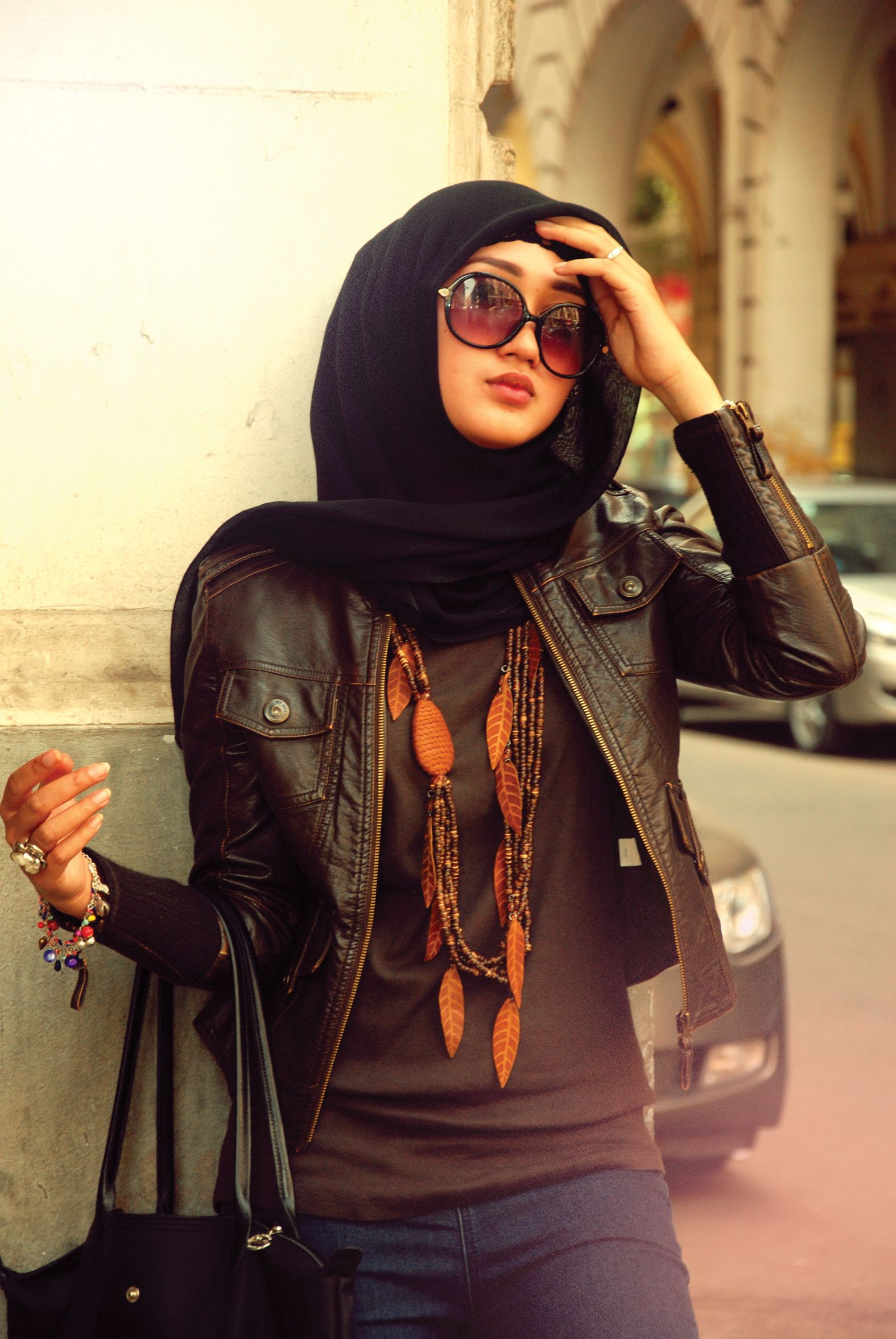 Leather jacket hijab - Like This Cool And Simple Style Of Hijab