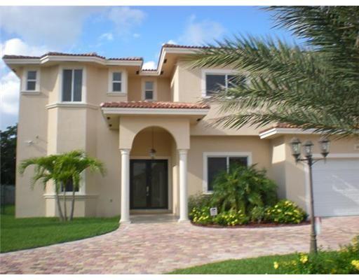 Casas A La Venta En Miami Gardens Buscar Con Google Cosas Para Comprar Pinterest Plantas
