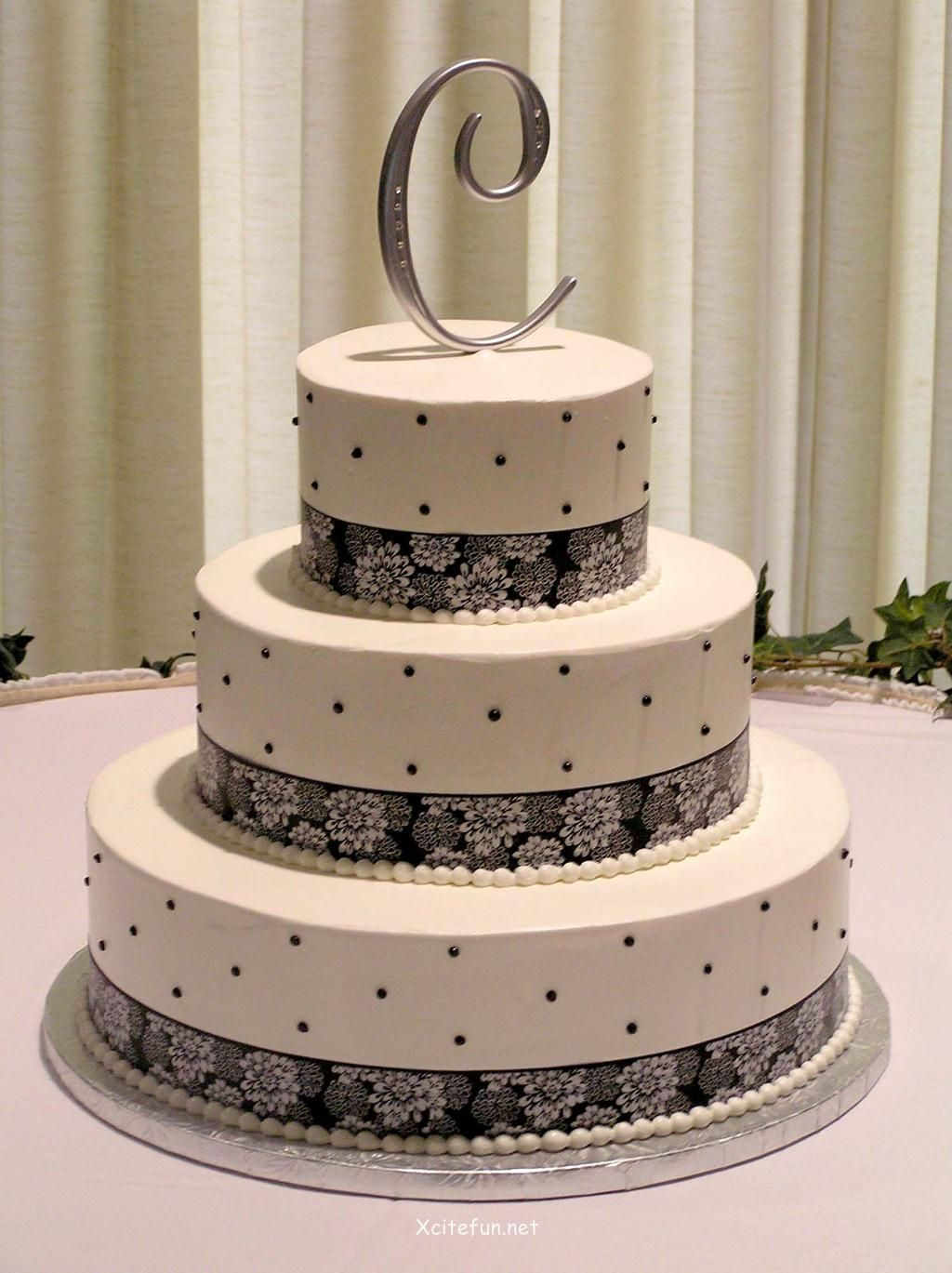 Letter Topper Dotted And Laces Wedding Cake Ideas Recipes - Wedding Cake Decorating