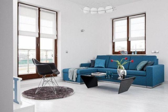 Sofa in petrol mit einem Klecks rot, wohnzimmer moderne einrichtung - bilder wohnzimmer rot