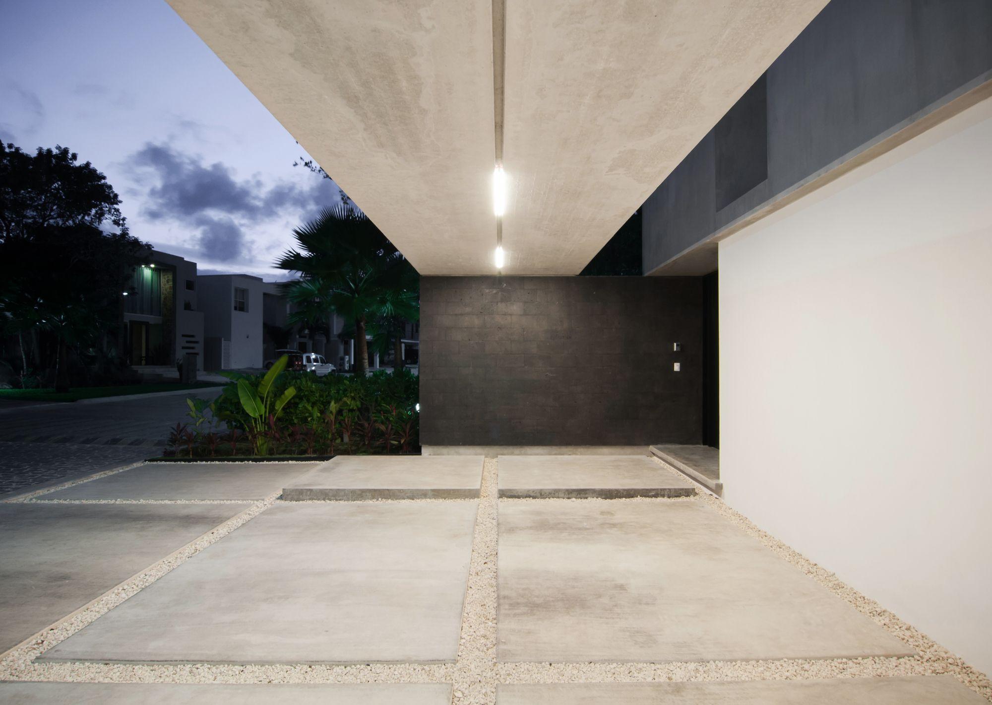 Garcias House / Warm Architects