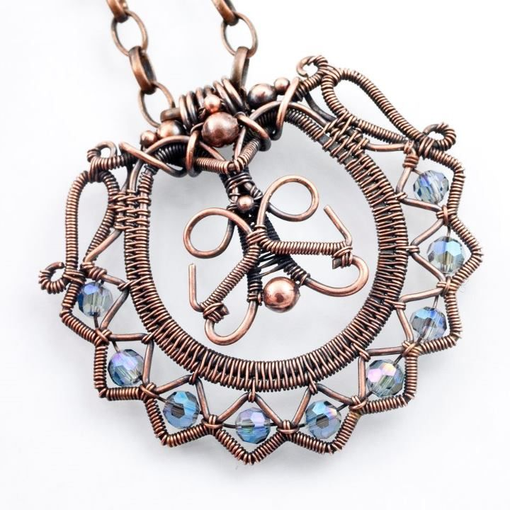 wire pendant with beautiful detail on the outer edge | Copper wire ...