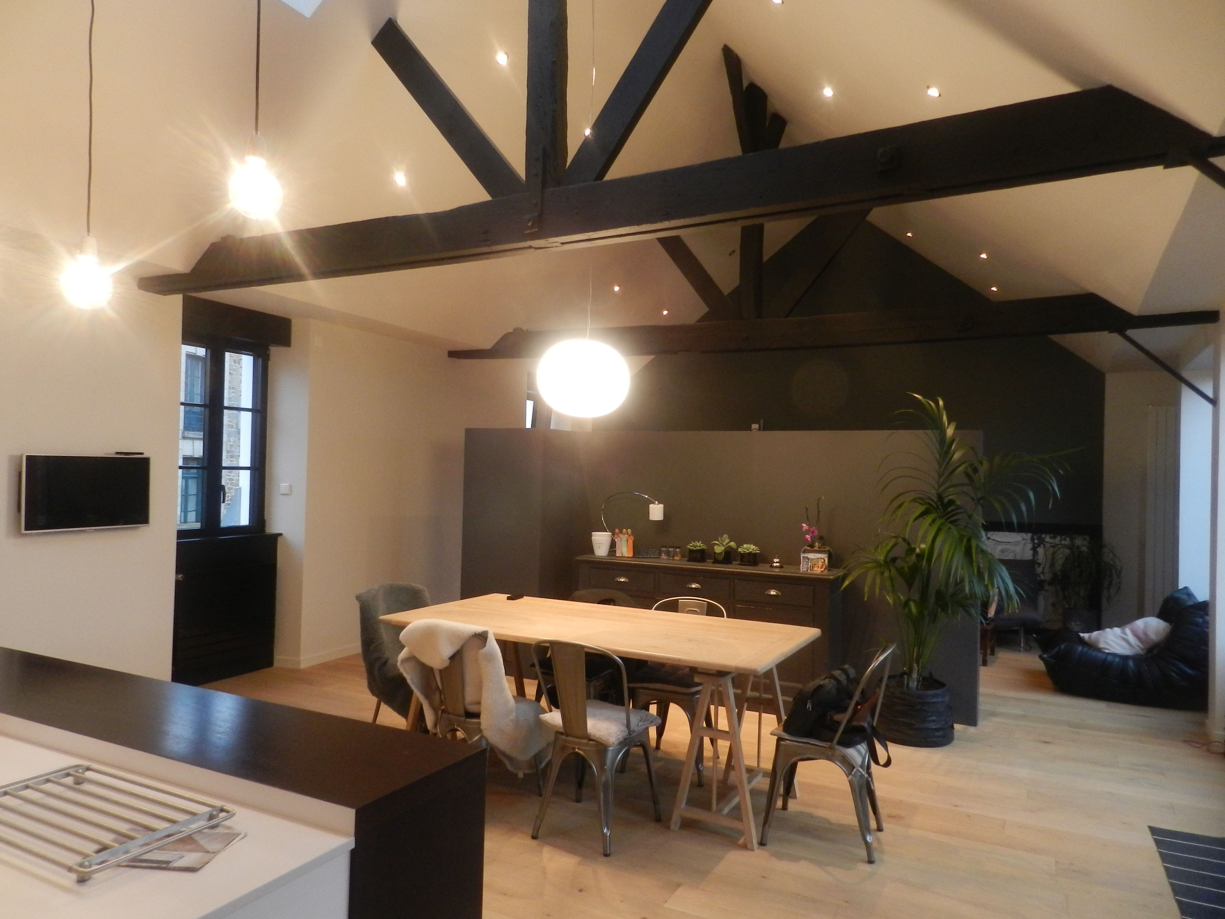 table de cuisine fixe au mur gallery of table de cuisine. Black Bedroom Furniture Sets. Home Design Ideas