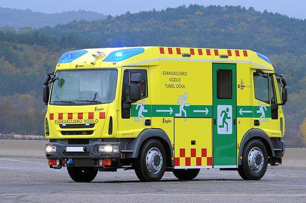 TunnelRetter mit EMotor Feuerwehr fahrzeuge