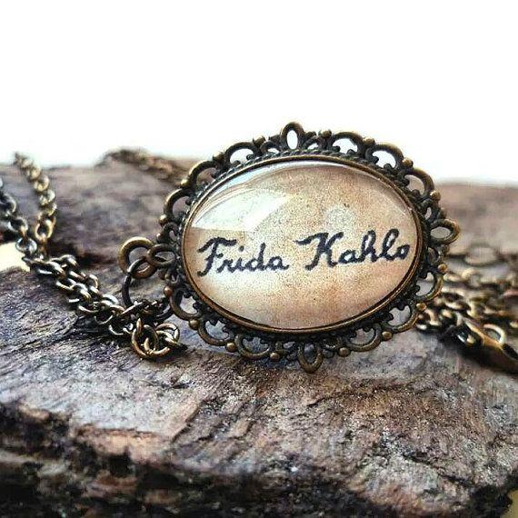 #ArtPassionBijoux by Sara, #italian #handmade #jewelry inspired by #art - #Painter #Frida #Kahlo #medallion