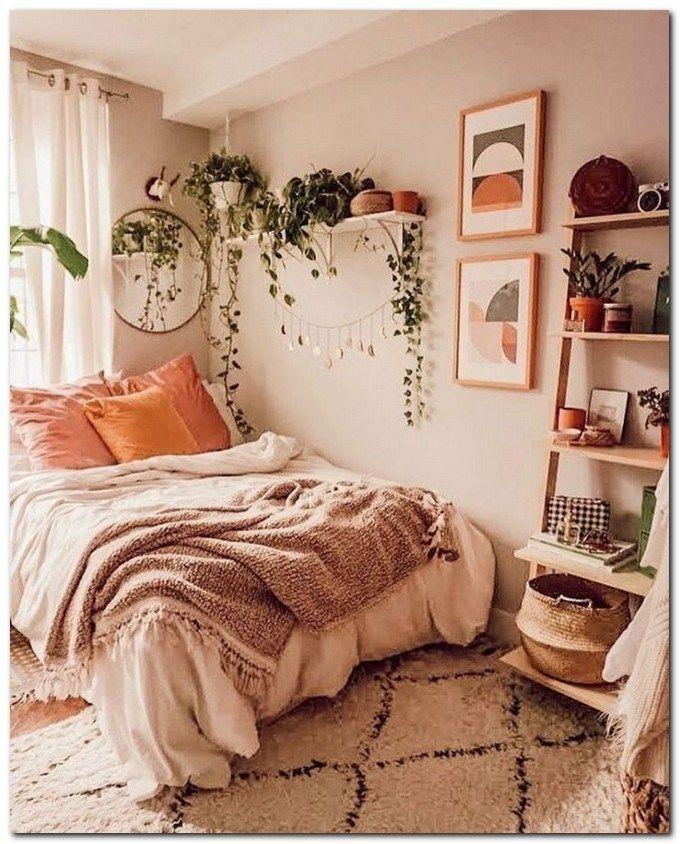 35 Einfache Ideen Fur Einen Atemberaubenden Boho Schlafzimmerstil Bohobedroomstyle Stu Atemberaubend College Bedroom Decor Simple Bedroom Bedroom Decor