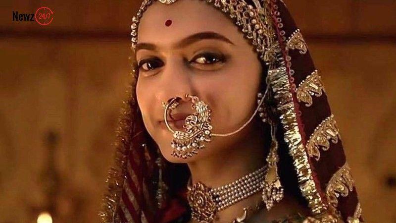 Deepika Has Been Seemingly Paid More Than Her Co Stars In Padmavati Movie Deepika Padukone Beauty Bridal Makeup Looks
