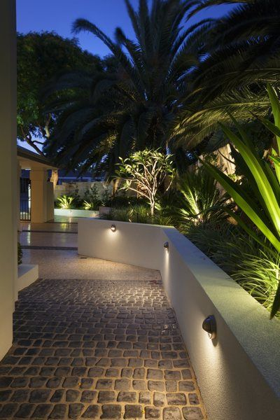 decking pathway lighting the garden light company photo gallery iluminacin en jardines - Iluminacion Terrazas