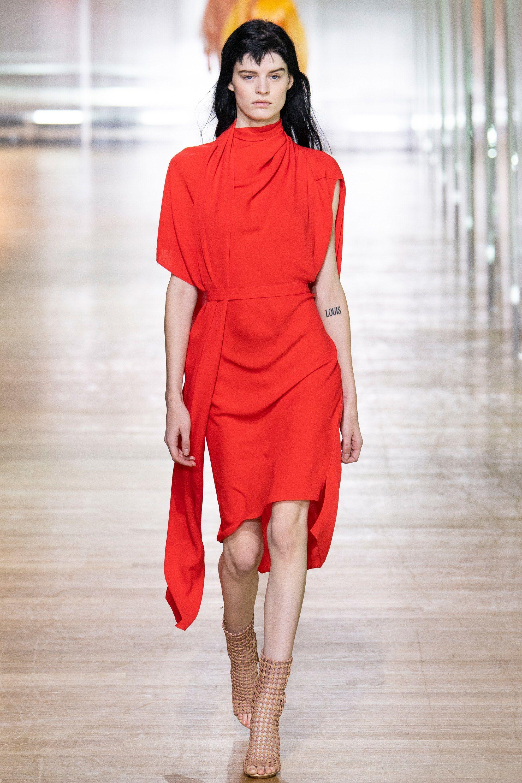 191da40c9a Poiret Spring 2019 Ready-to-Wear Fashion Show | R U N W A Y ...